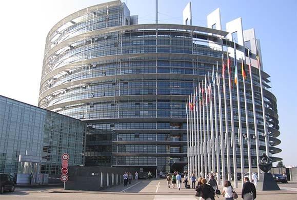 Συζητούν νέο δάνειο ύψους 30 δισ. ευρώ στην Ελλάδα με… τρίτο Μνημόνιο!