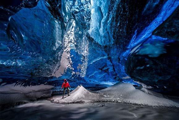 Τα σπήλαια του  παγετώνα Vatnajokull