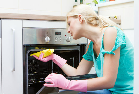 Πώς να καθαρίσεις τον ηλεκτρικό φούρνο