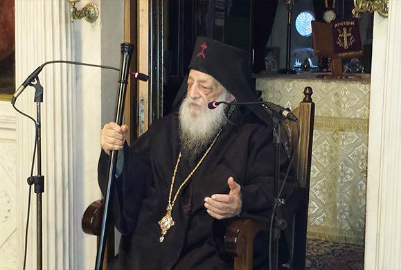 Ο Γέροντας Νεκτάριος Βιτάλης στον Ι. Ν. Αγίας Τριάδος Βύρωνος