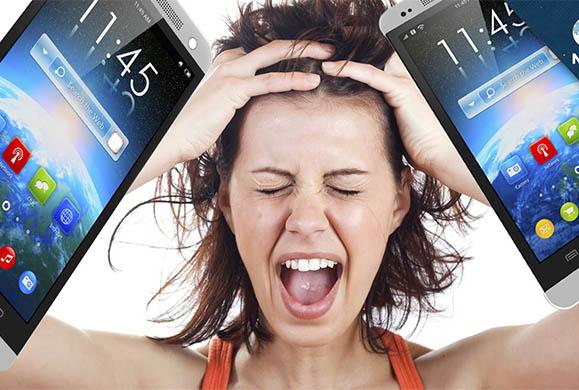 Eθισμένος στο κινητό του ο ένας στους οκτώ χρήστες smartphone