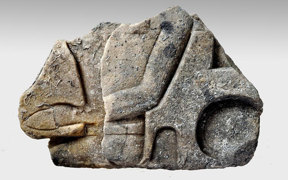 aigyptiako-anaglyfo-v-thumb-large