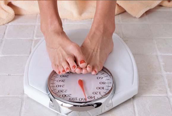 Δίαιτα: Πώς θα ξεκολλήσετε το δείκτη της ζυγαριάς σας