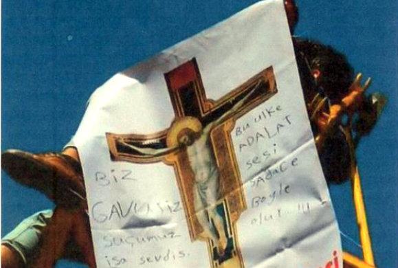 Η επικίνδυνη ΑΓΑΠΗ ενός Τούρκου για τον… Ιησού Χριστό