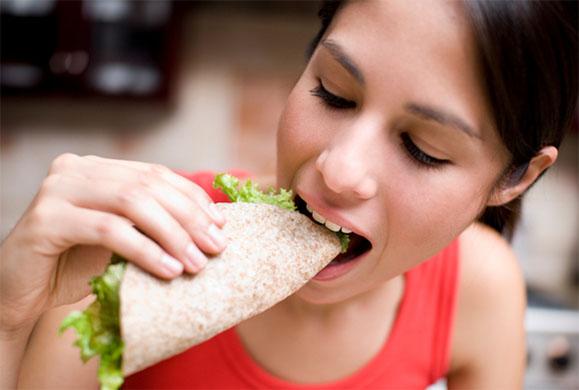 Ποια πλαστική ουσία τρώμε κάθε μέρα χωρίς να το γνωρίζουμε;
