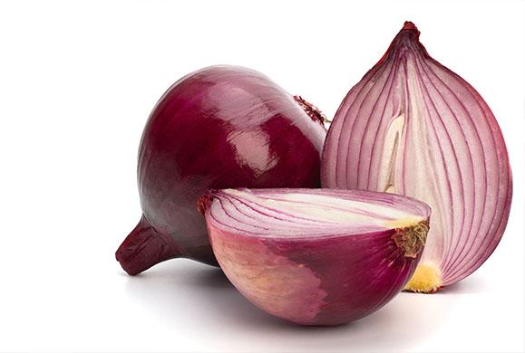 Βάλτε κρεμμύδι στις καμένες κατσαρόλες