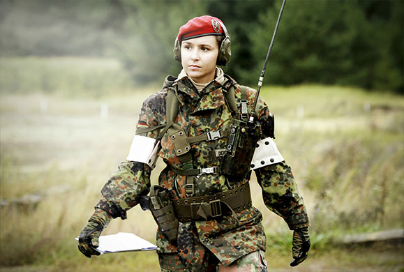 Γυναίκες στρατιωτίνες στα χαρακώματα - ΕΙΚΟΝΕΣ