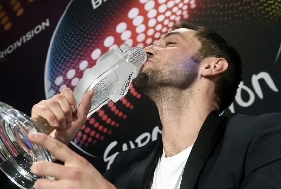 Ο Måns Zelmerlöw από τη Σουηδία είναι ο νικητής της φετινής Eurovision