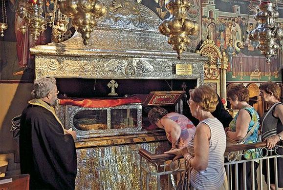 Η Αθήνα υποδέχτηκε το Ιερό Λείψανο της Αγίας Βαρβάρας – Εικόνες