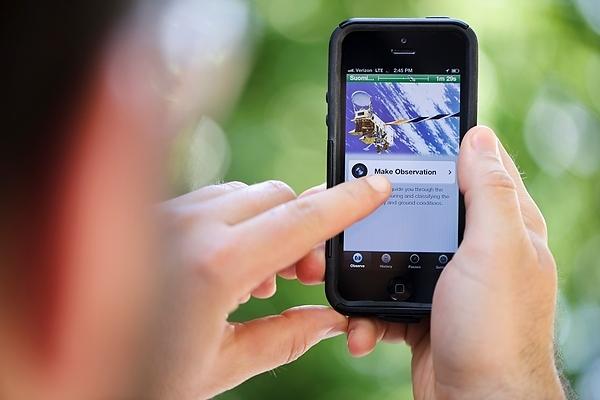 Έξυπνοι τρόποι για να προστατέψετε το smartphone το καλοκαίρι