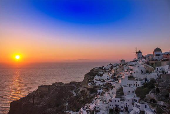 National Geographic: Στη Σαντορίνη ένα από τα καλύτερα ηλιοβασιλέματα