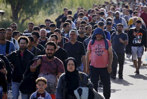Γιατί στέλνουν χιλιάδες παρανόμους στην Ελλάδα;Ποιο σχέδιο εξυπηρετούν;