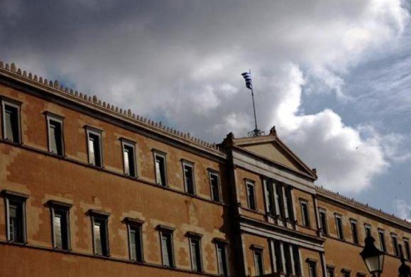 Οι υποκριτές Έλληνες πολιτικοί χωρίστηκαν σε εκκλησιολάτρες και εκκλησιομάχους