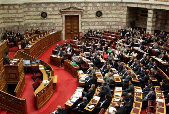 Σε εξέλιξη η συζήτηση στη Βουλή μέχρι αυτήν την ώρα