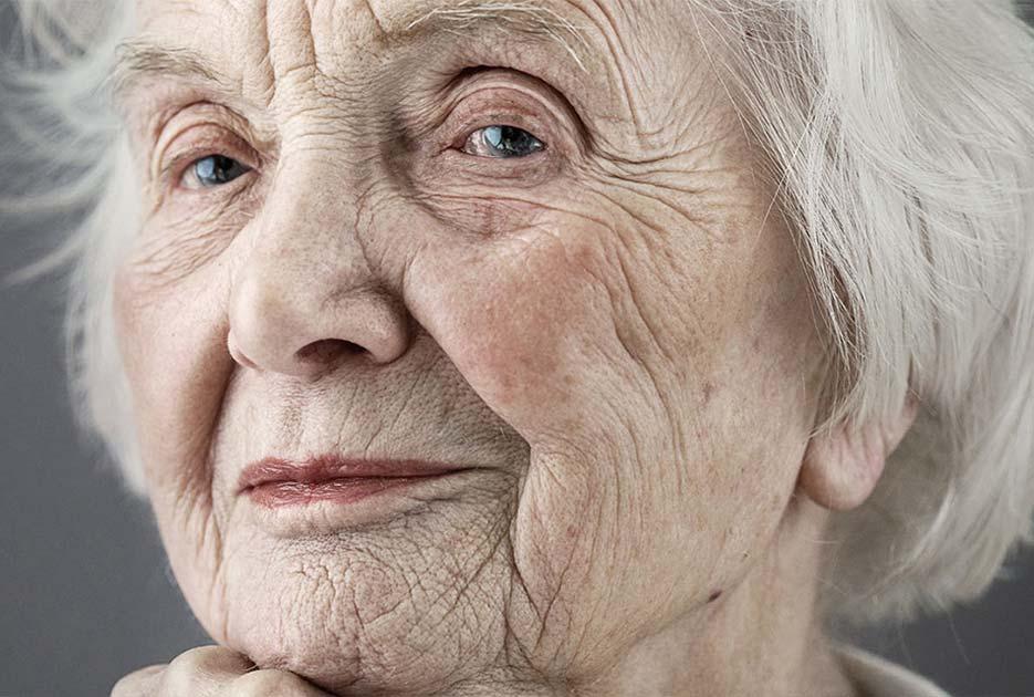 Ποιες καθημερινές συνήθειες θα σας οδηγήσουν σε πρόωρη γήρανση κατά 12 έτη!