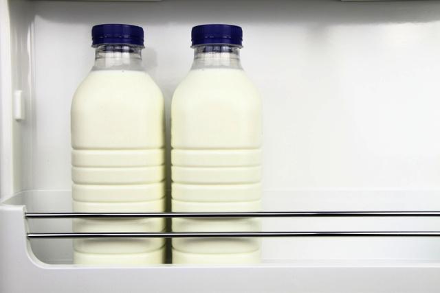 Πρέπει να βάζουμε το γάλα στην πόρτα του ψυγείου;Πρέπει να βάζουμε το γάλα στην πόρτα του ψυγείου;