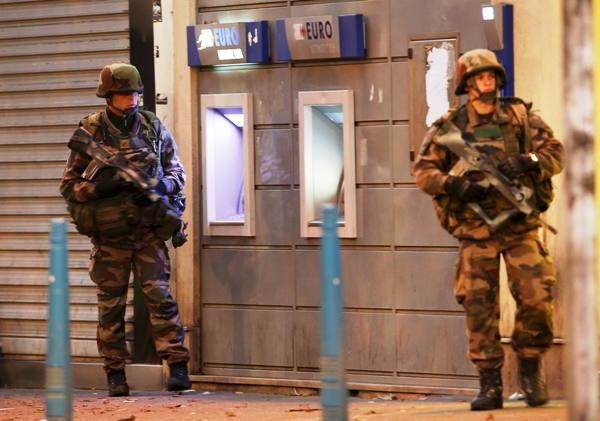 Εικόνες από το Παρίσι που τρομάζουν