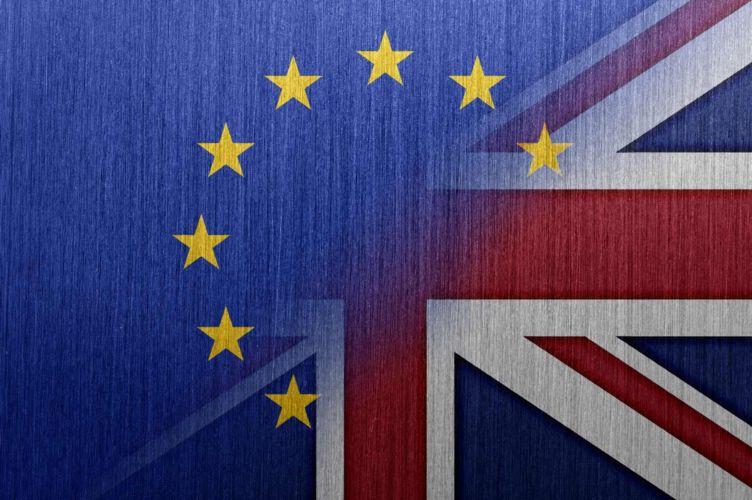 Brexit επιθυμούν περισσότεροι από τους μισούς Βρετανούς