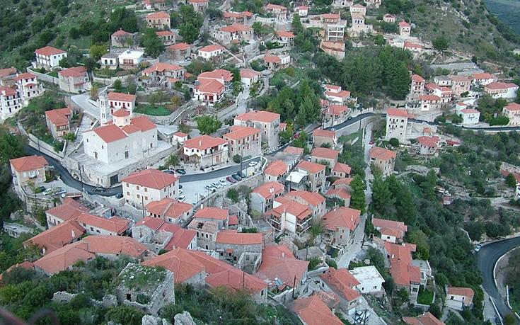Γνωρίστε το αρχοντικό χωριό Καρύταινα στην Γορτυνία