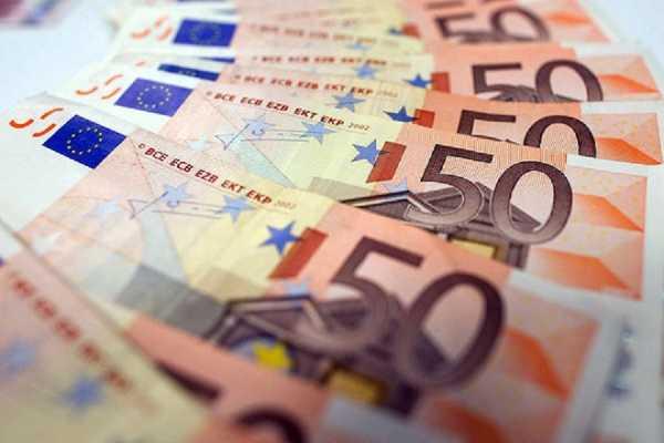 Πόσα θα πρέπει να πληρώνουν οι οφειλέτες στις τράπεζες για τις «κόκκινες» οφειλές τους