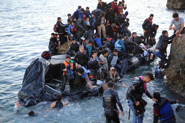 Η Κομισιόν επεξεργάζεται σχέδιο επαναπροώθησης προσφύγων στην Ελλάδα