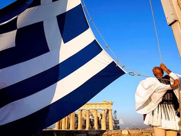 Der Spiegel: Τι θα γίνει στην Ελλάδα μετά την απατηλή ηρεμία του Αυγούστου