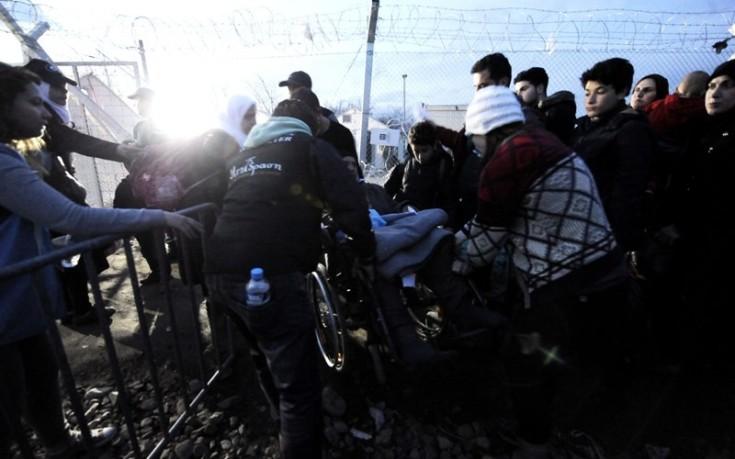 Ειδομένη: Απέραντος καταυλισμός προσφύγων στα σύνορα
