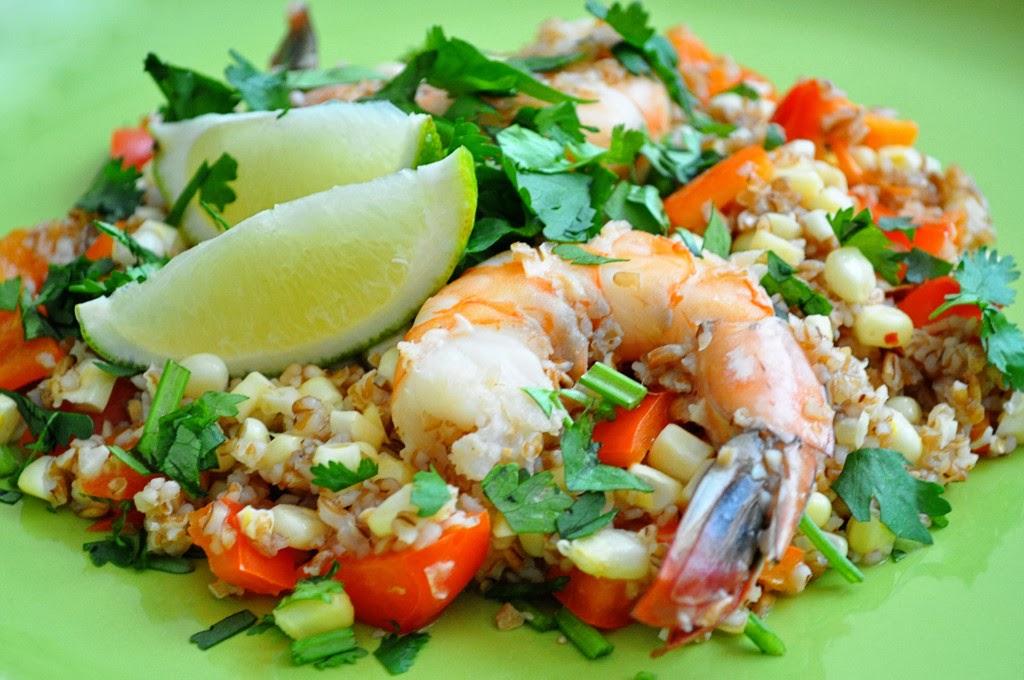 Σαλάτα με πλιγούρι και γαρίδες