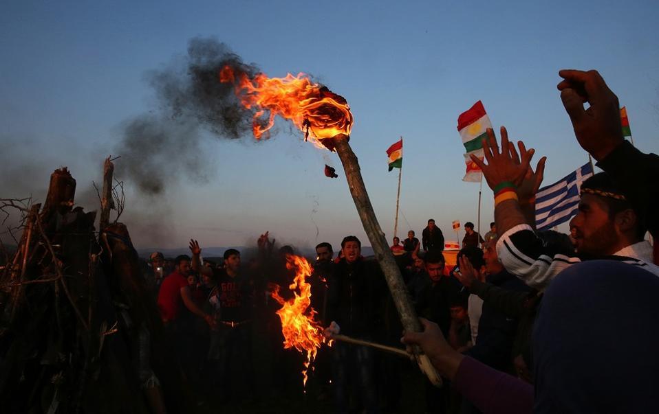 Ειδομένη: Με φωτιά σε χωράφι της ουδέτερης ζώνης Ελλάδας-ΠΓΔΜ ο εορτασμός του Νεβρόζ