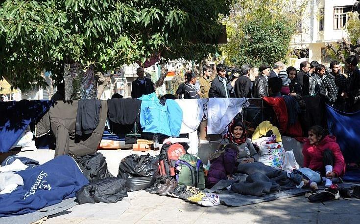 Χίος: Αναβρασμός στην κοινωνία – «Βουλιάζει» το νησί από τους μετανάστες