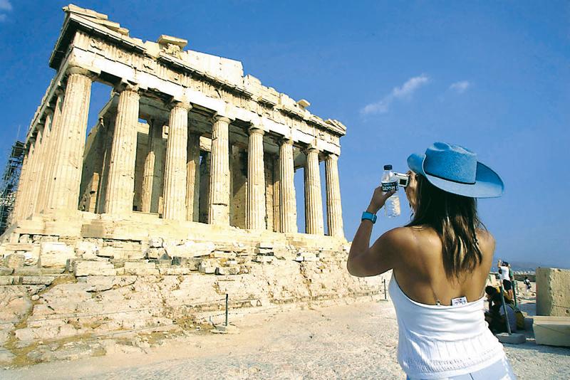 Προς νέο ρεκόρ οδεύει ο ελληνικός τουρισμός το 2016