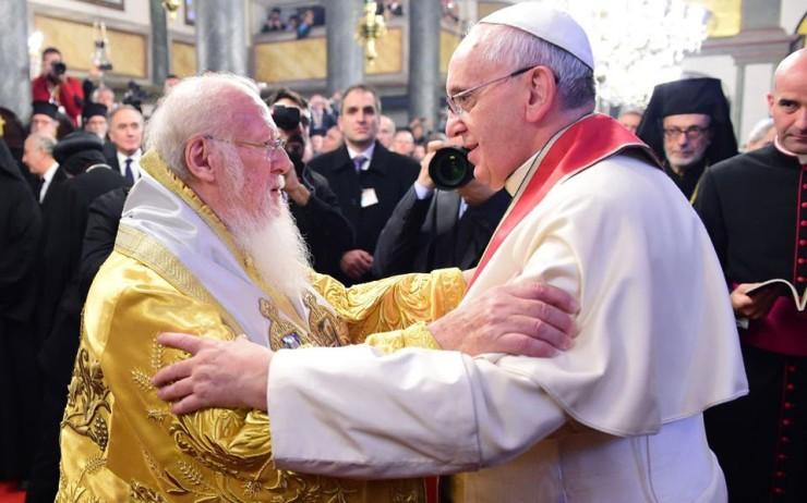 Άντε και στα δικά μας, οι Αγγλικανοί αναγνωρίζουν ως ηγέτη ολόκληρης της Χριστιανοσύνης τον Πάπα