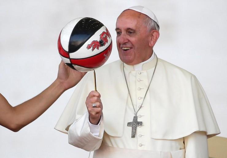 Πάπας Φραγκίσκος : «Μπάτε σκύλοι αλέστε»