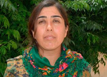 Η πολέμαρχος των Κούρδων Ρότζντα Φελάτ που τρέμει το ISIS