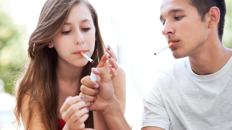 Από περιέργεια καπνίζουν οι μαθητές του γυμνασίου