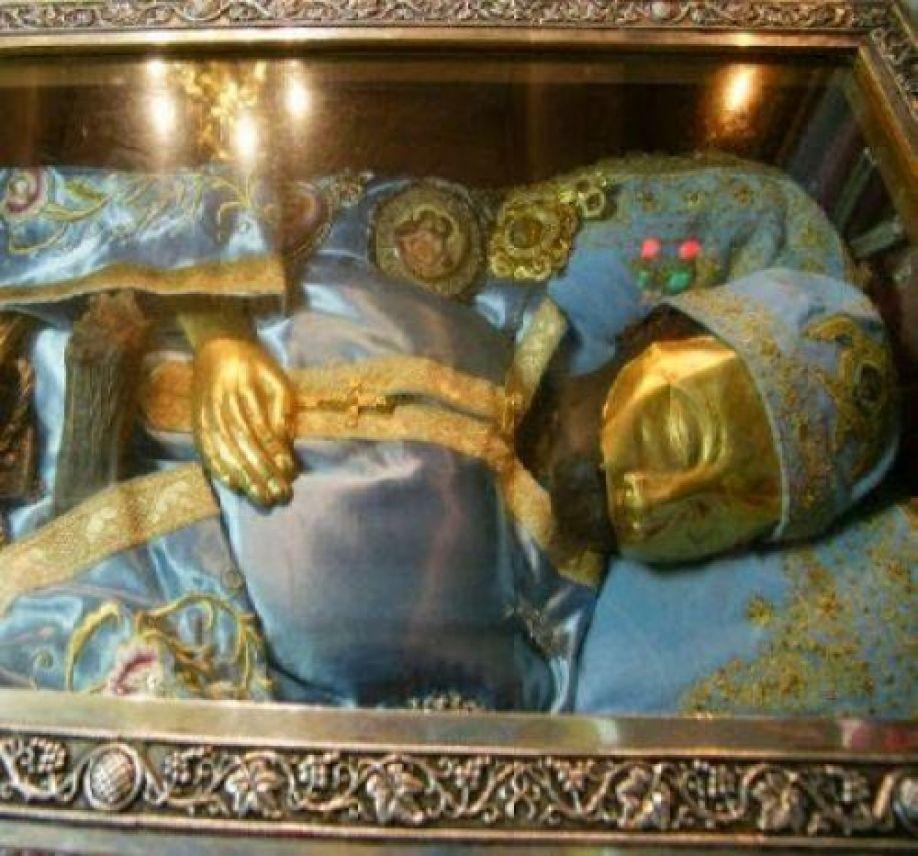Ο Άγιος Ιωάννης ο Ρώσος γύρισε και την κοίταξε…