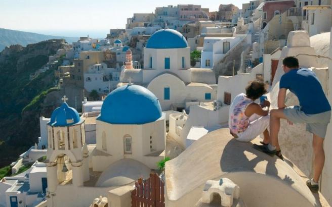 Προς νέο ρεκόρ ο ελληνικός τουρισμός το 2016