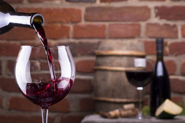 Γιατί πρέπει να πίνετε αλκοόλ σε μικρό ποτήρι