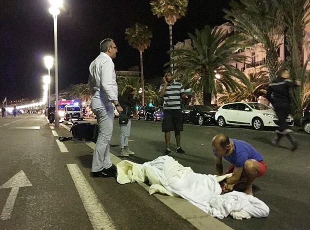 Γιατί συνέχεια επιθέσεις στη Γαλλία;
