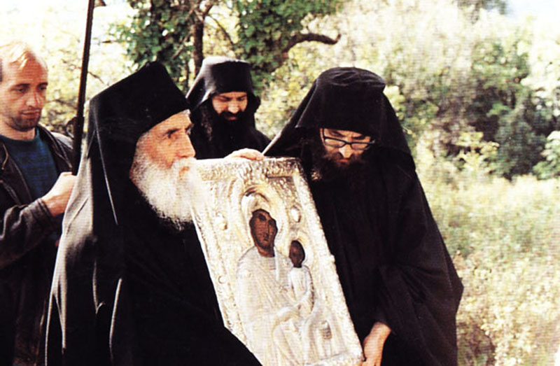 Όταν ο Άγιος Παΐσιος προσευχόταν στην Παναγία