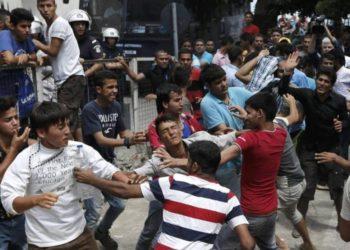 Μουζάλας: «Αν καταρρεύσει η συμφωνία με την Τουρκία θα έρθουν στην Ελλάδα άλλοι 180.000 πρόσφυγες»