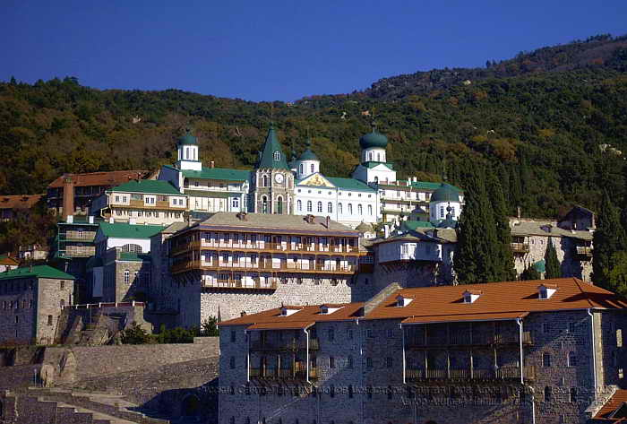 Ποιος θέλει να διώξει τους Ρώσους από το Άγιον Όρος;