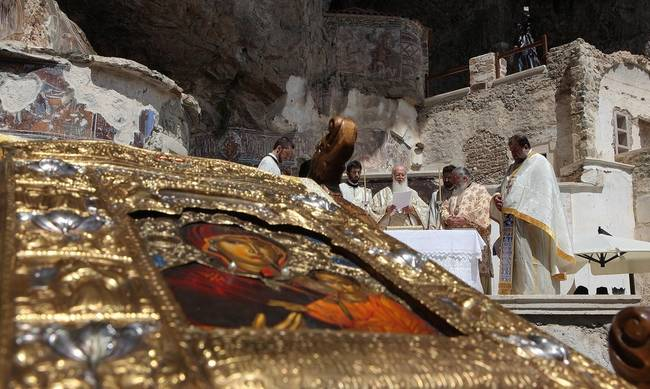 Βράζει ο Πόντος: Απαγόρευση λειτουργίας στην Παναγία Σουμελά