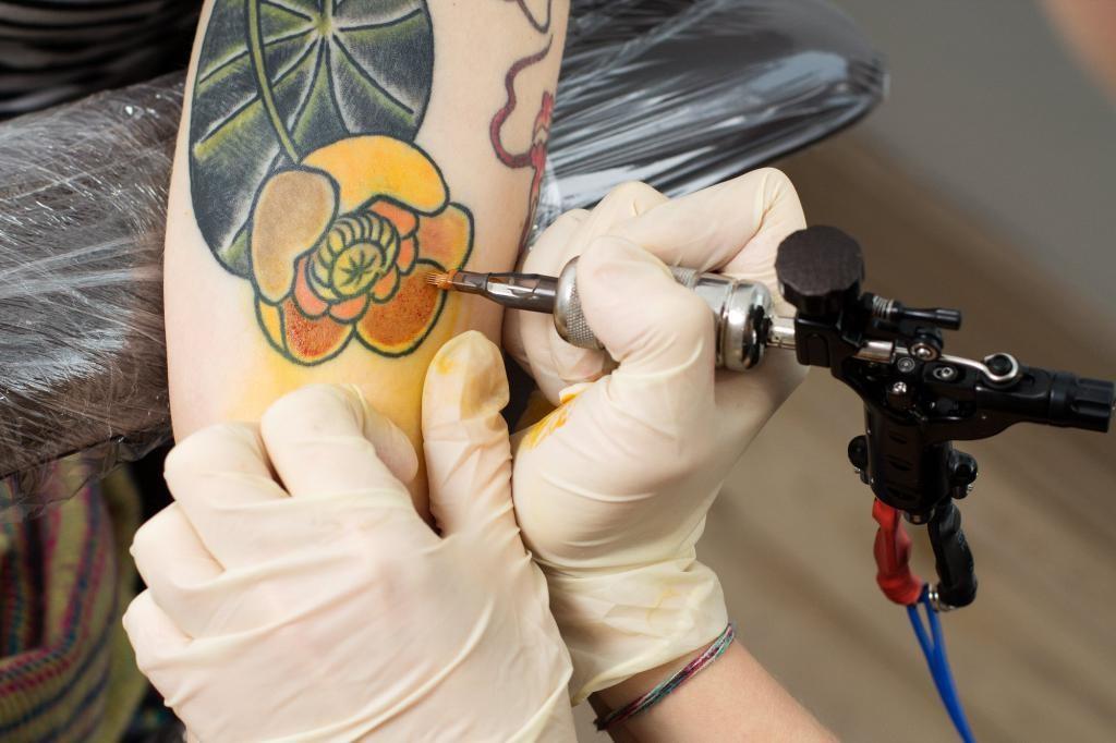Ο π.Ιωάννης Κατής μιλά για τη γιόγκα και τα τατουάζ, ΒΙΝΤΕΟ
