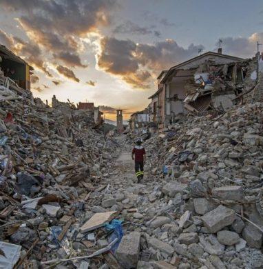 Ιταλία: Τρεις ισχυροί σεισμοί έσπειραν τον τρόμο-LIVE VIDEO και ΕΙΚΟΝΕΣ