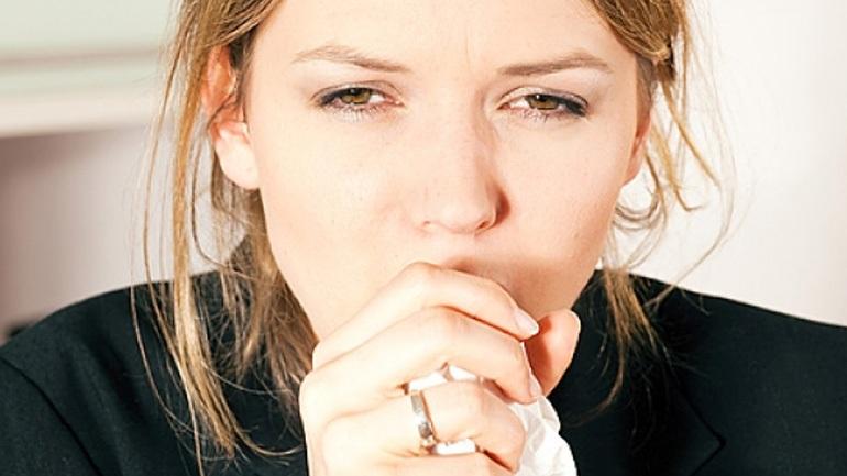 Βήχας: Πώς θα ανακουφιστείτε γρήγορα και εύκολα