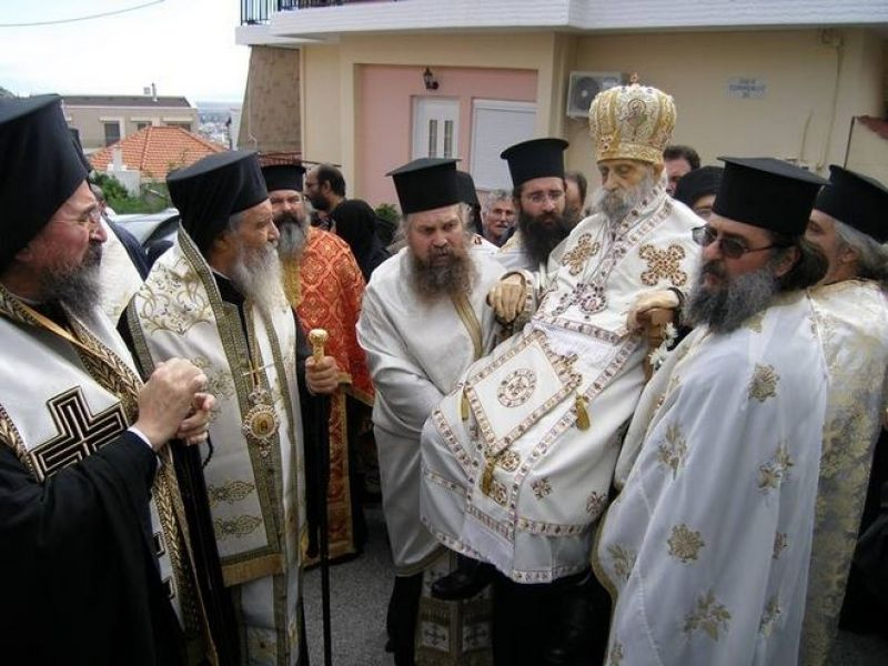 Ο περιφερόμενος νεκρός Επίσκοπος και οι επιθέσεις κατά της Εκκλησίας