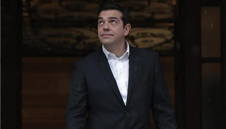 O Α. Τσίπρας πανηγυρίζει για το ξεπούλημα της Μακεδονίας