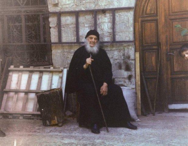 Γέροντας Αμβροσίος Λάζαρης: Από τα 10 εκατομμύρια Έλληνες τα 2 εκατομμύρια θα σωθούνε, ΒΙΝΤΕΟ