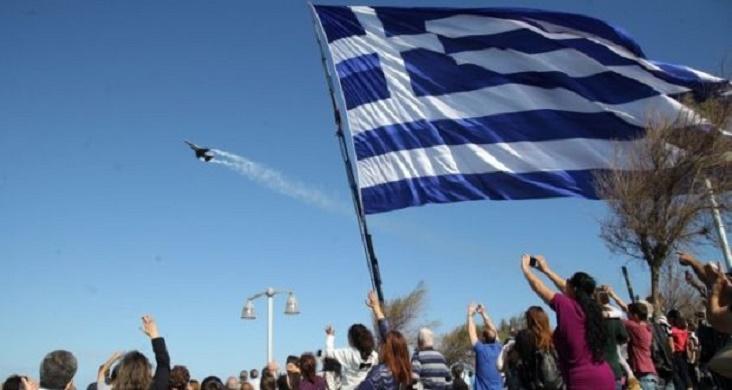 Εντυπωσίασαν τα ελληνικά F-16 στο Ηράκλειο προς τιμήν του Αγίου Μηνά